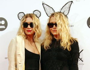 Gêmeas Olsen em evento em Tokyo